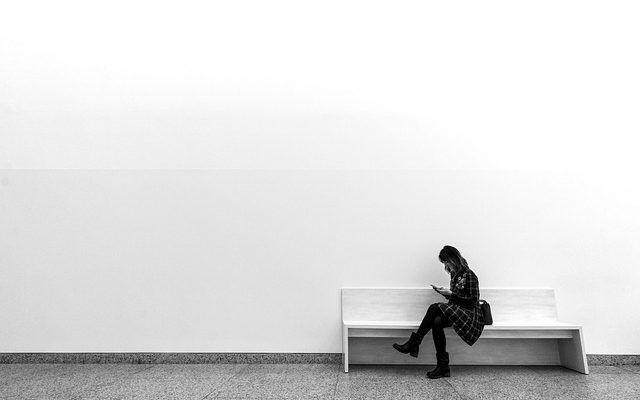 chica minimalismo