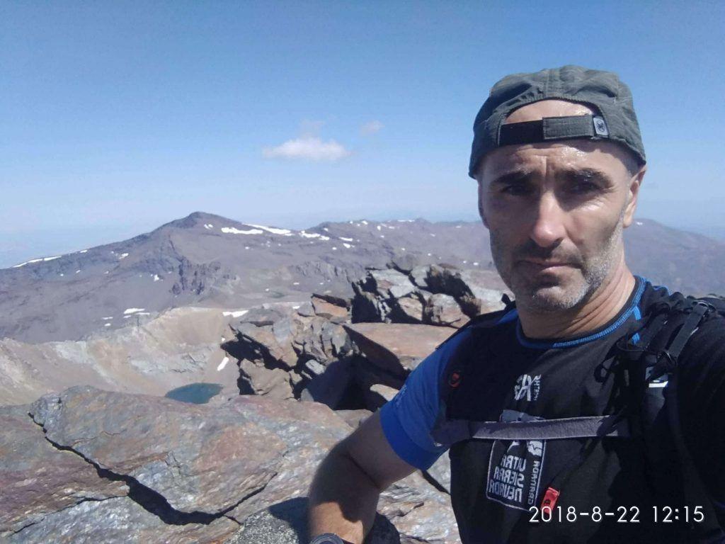 Foto desde la cima del pico Veleta en Sierra Nevada (Granada) correr en montaña