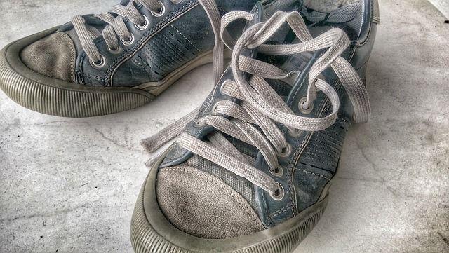 cambiar zapatillas rotas