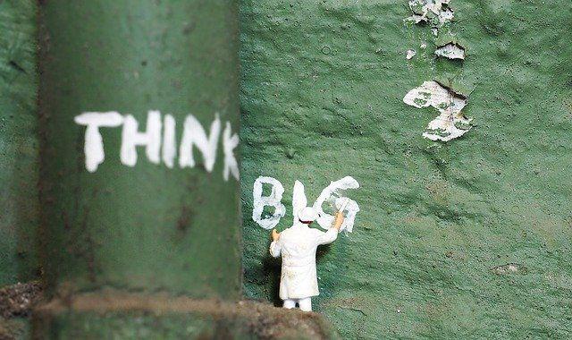 piensa en grande