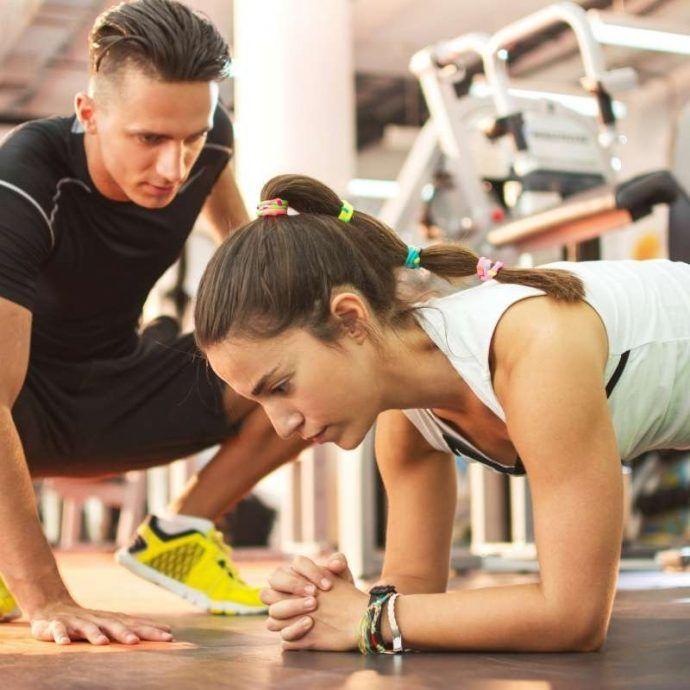 entrenandor personal te ayudara a estar motivado para estar en forma
